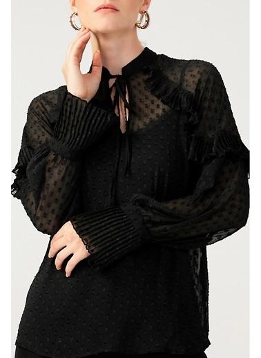 Random Kadın Piliseli Boyundan Bağlamalı Bluz Siyah